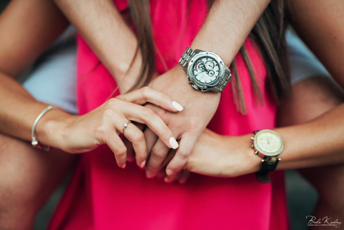 fotograf do sesji narzeczeńskiej, sesja zaręczynowa kraków i katowice pierścionek zaręczynowy