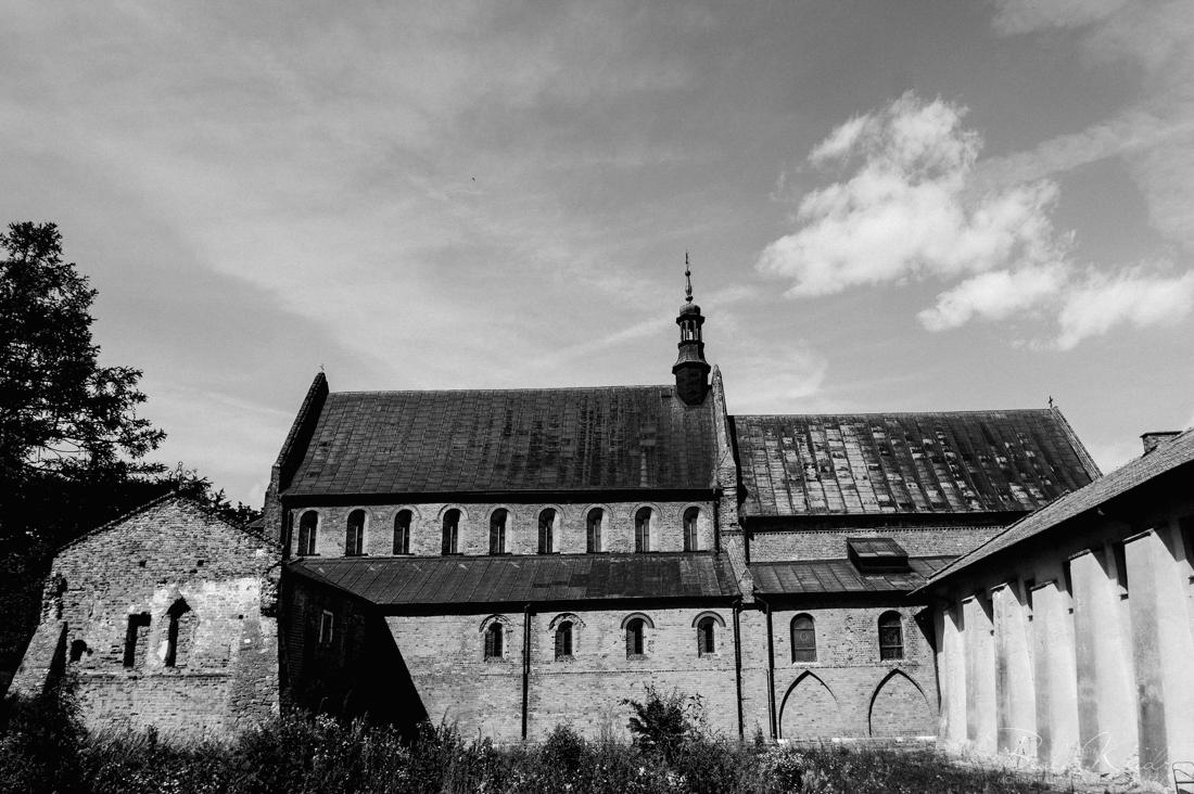 czarnobiale_zdjecia_slubne_fotograf_krakow_MalKac_blog_015