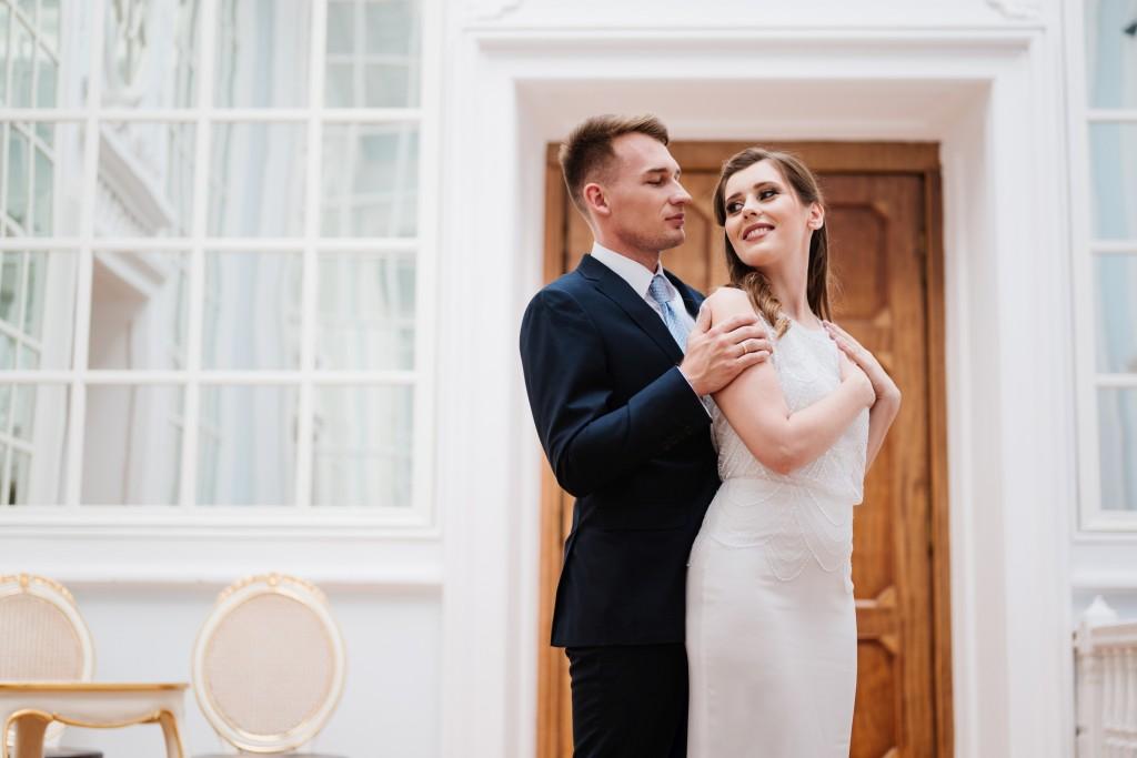 Plener ślubny w pałacu Radziwiłłów na Balicach