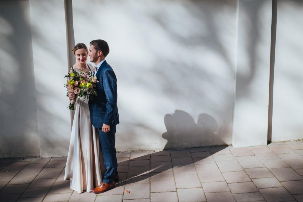 Kameralny ślub cywilny w centrum Krakowa na starym mieście, najlepszy fotograf ślubny Małopolska