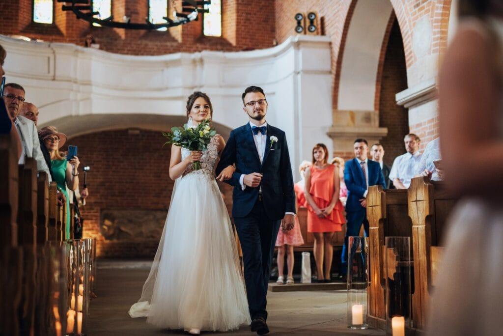 polecany fotograf ślubny robi najpiękniejsze zdjęcia ślubne Kraków