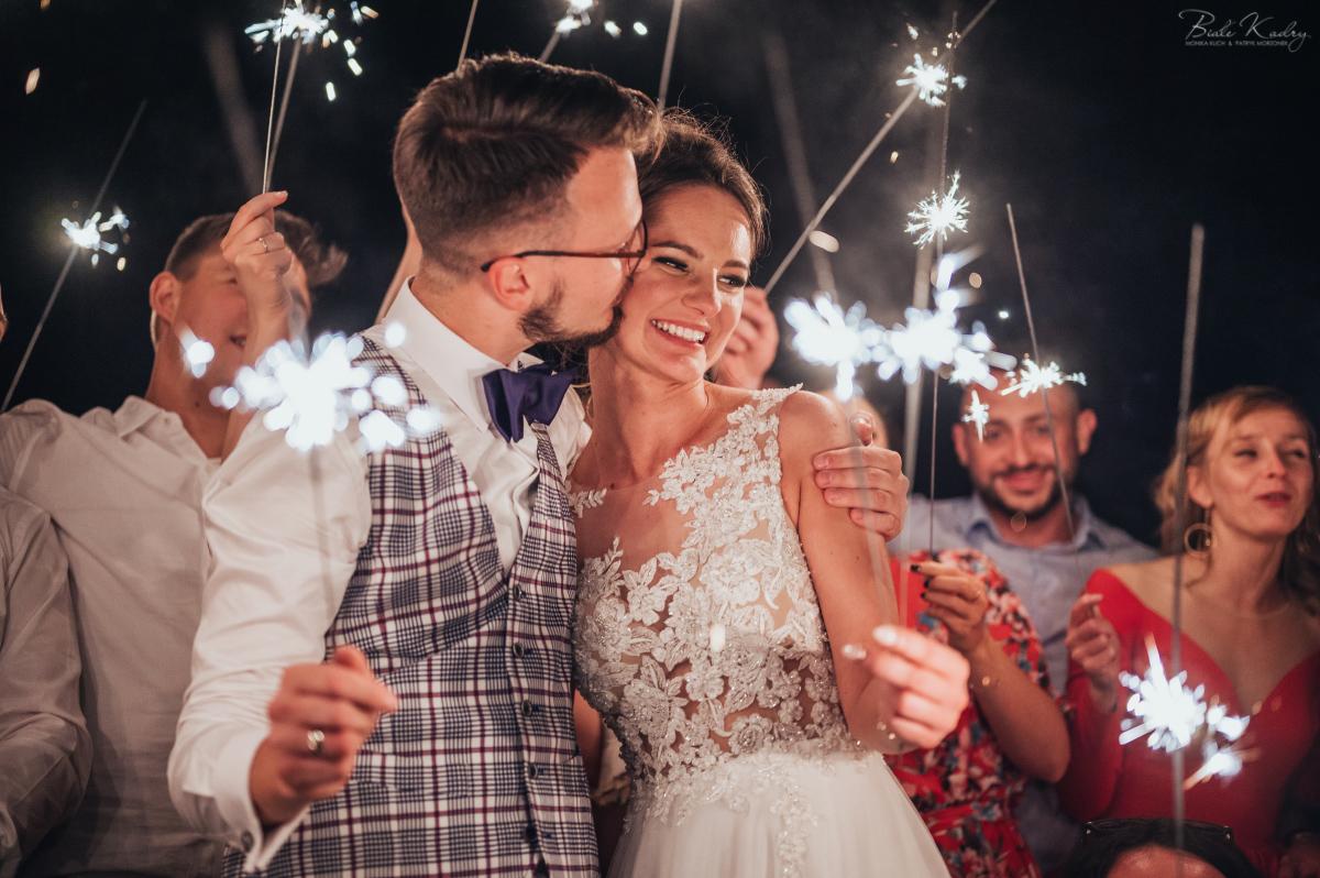 poradnik ślubny jak zorganizować zimne ognie na weselu